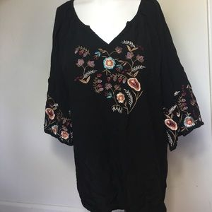 Solitaire Women's Top Blouse Embroidered floral 1X